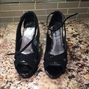 Tahari Open Toe Black Patent and Suede Heels